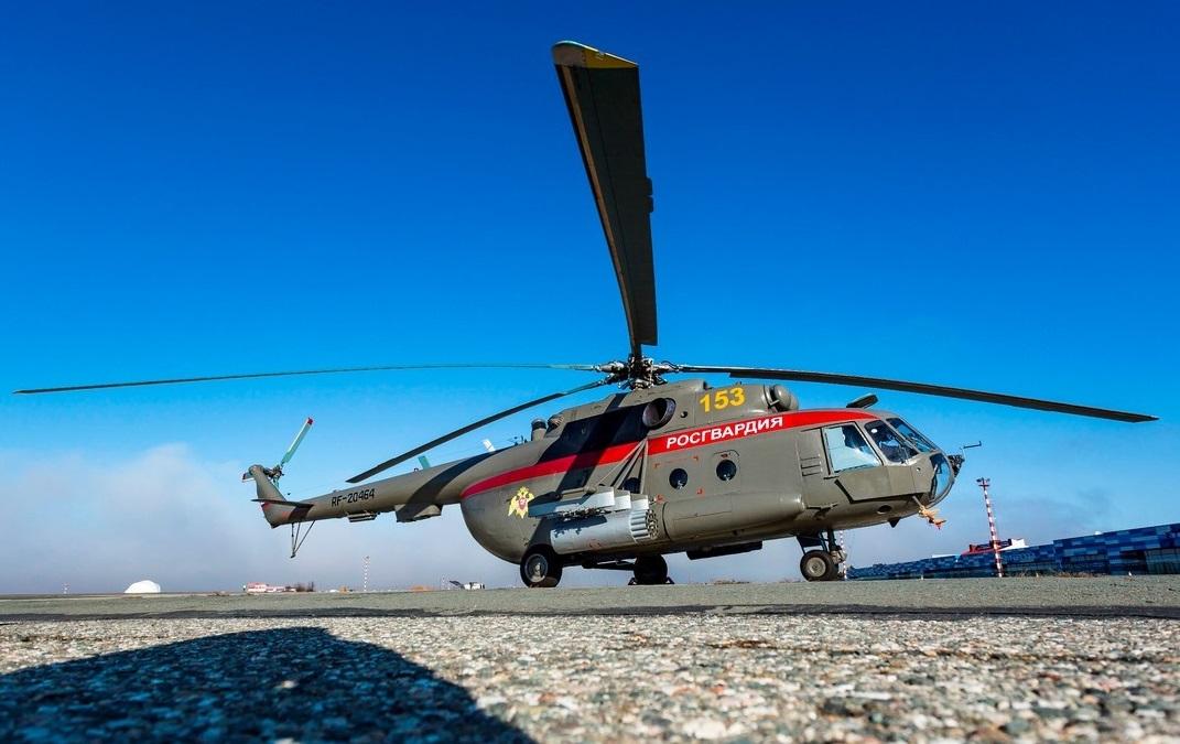 В аэропорт Симферополь прибыли два вертолета типа Ми-8